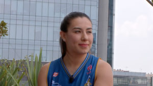 Lucía Moreno en terraza para entrevista con Meta