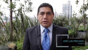 José Luis Preciado en terraza de El Heraldo de México