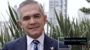 Miguel Ángel Mancera en terraza de El Heraldo de México