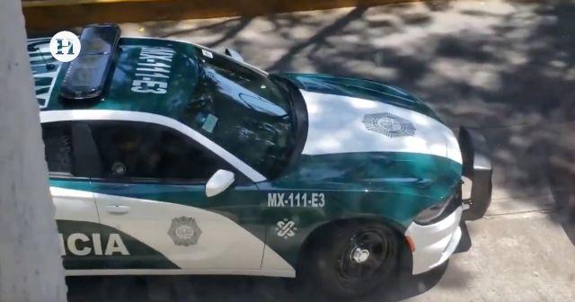 Dos policías fueron sorprendidos recibiendo un soborno