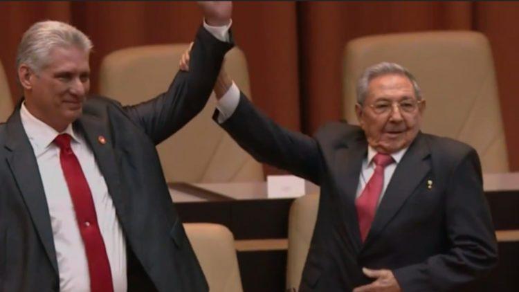 Raúl Castro aun tiene el control