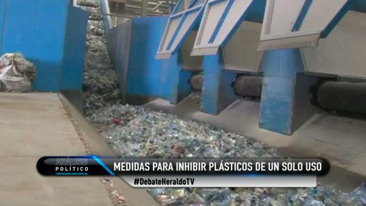 Regular o prohibir el uso de plásticos de un solo uso, un debate fundamental
