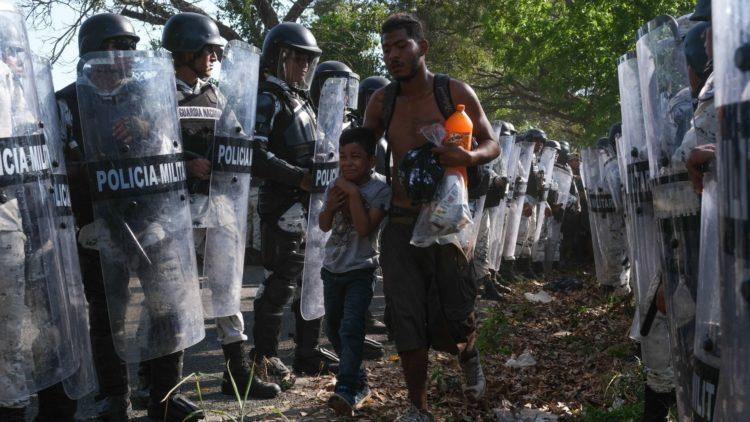 migrantes-caravana-derechos-humanos-trump-amlo