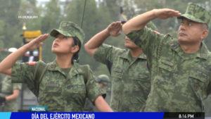 Celebran al ejercito mexicano en Zocalo de la CDMX